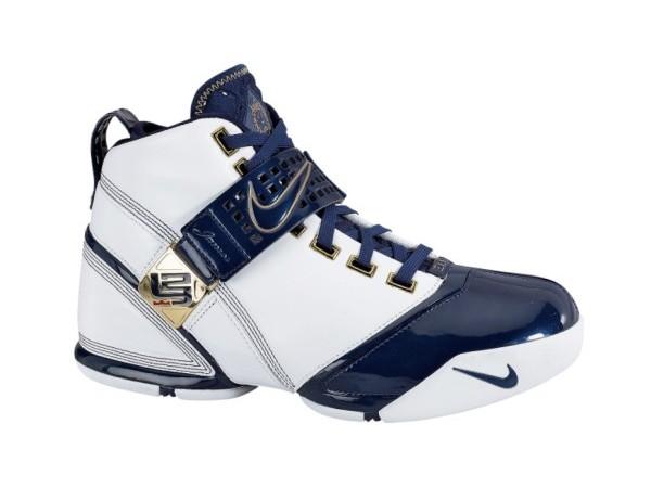 Nike Zoom LeBron White and Navy sample vs GR