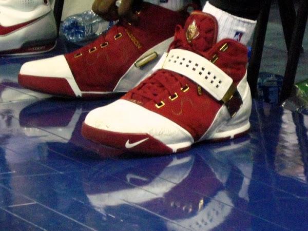 LeBron8217s Nike LeBron V China Player Exclusive