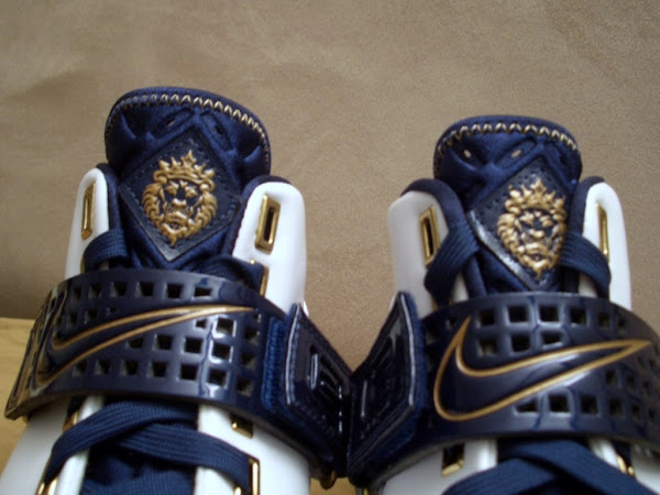New pics of the White and Navy Zoom LeBron V