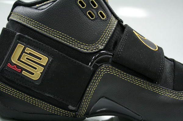 New pics of the Black and Gold Nike Zoom Soldier