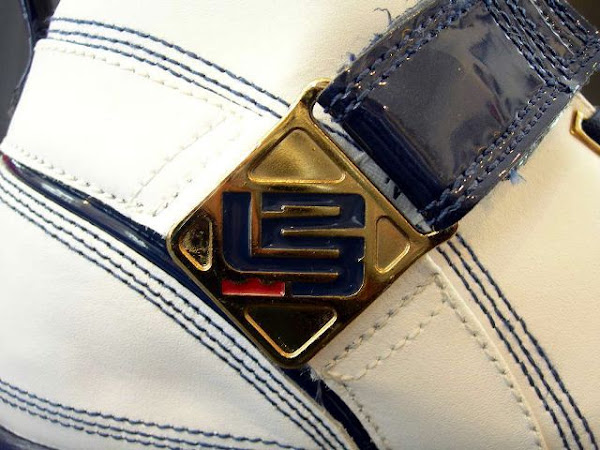An in depth look at the Nike LeBron 5 GS