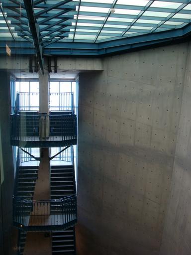 八角塔內部一景