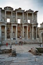 Photo: knihovna v Efesu