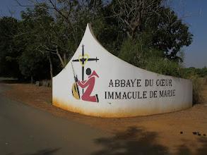 Photo: Sn2C0301-160203KeurMoussa, l'Abbaye du Coeur Immaculé de Marie', muret entrée IMG_0241