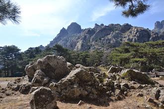 Photo: oblasť skalných veží Bavella, šart aj cieľ druhej skupiny čo nebola na canyoningu na kratšiu turistiku v tomto malebnom prostredí skál a borovíc