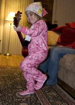 alli guitar 2