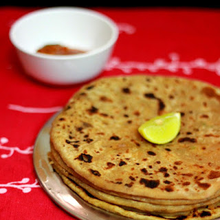 Aloo Paratha (Indian Wheat Bread stuffed with Mashed Potatoes)