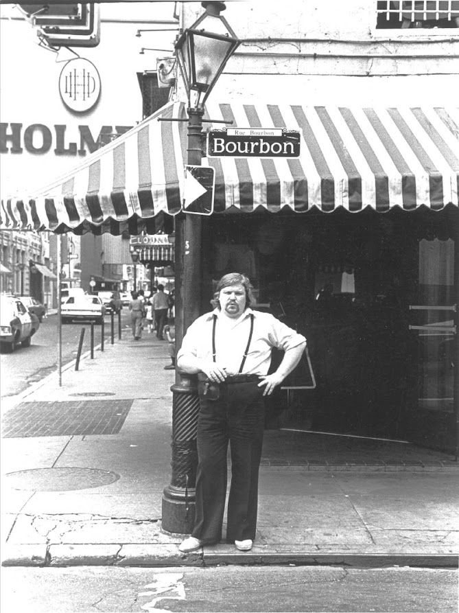 Jussi New Orleansin Bourbon Streetillä
