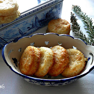 Cheese Crackers with a Touch of Rosemary.