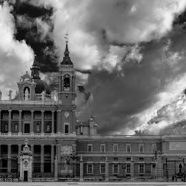 catedral la Almudena, Madrid by -. Phooneenix .- - Black & White Buildings & Architecture ( madrid, la almudena, cathedral )