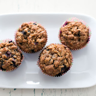 EASY WHOLE WHEAT BLUEBERRY BANANA MUFFINS