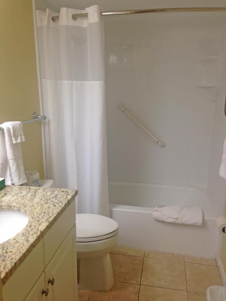 2 Bedroom Suite Picture Number 9