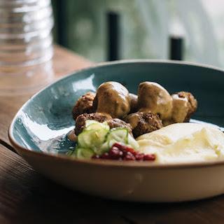 Swedish Meatballs In Cream Sauce (köttbullar Med Gräddsås)