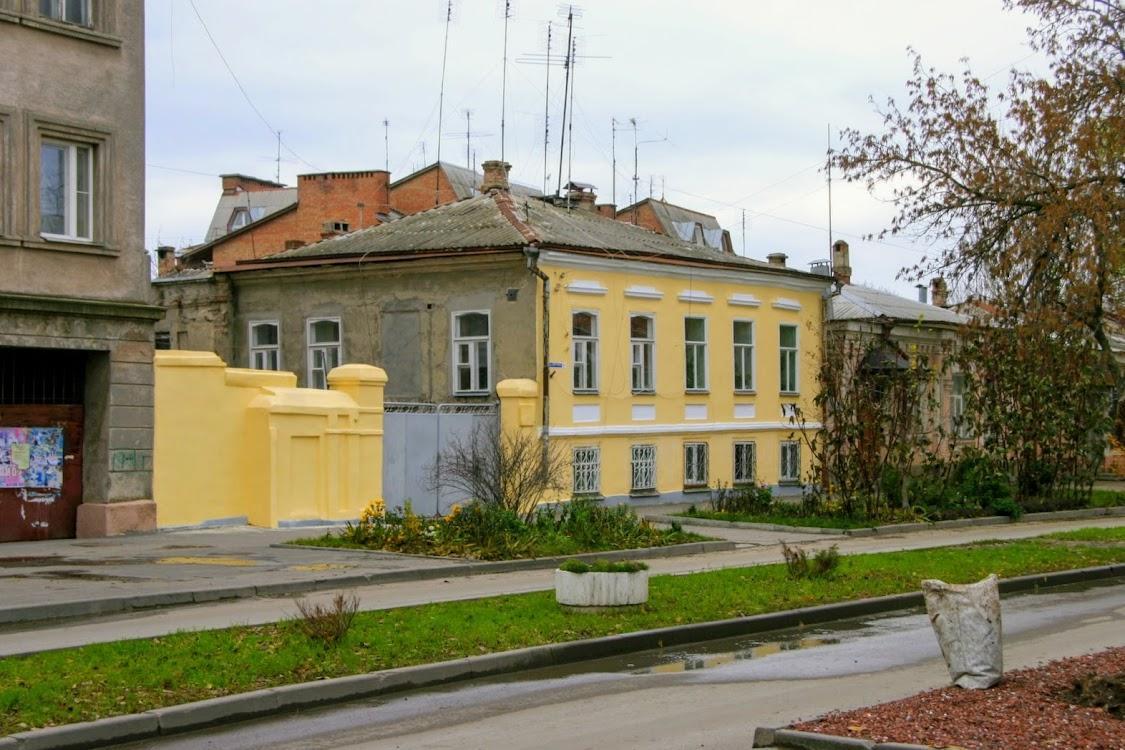 https://sites.google.com/site/istoriceskijtaganrog/frunze-ulica/dom-3