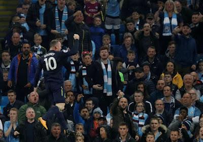 Manchester City, à dix, s'en sort malgré Wayne Rooney