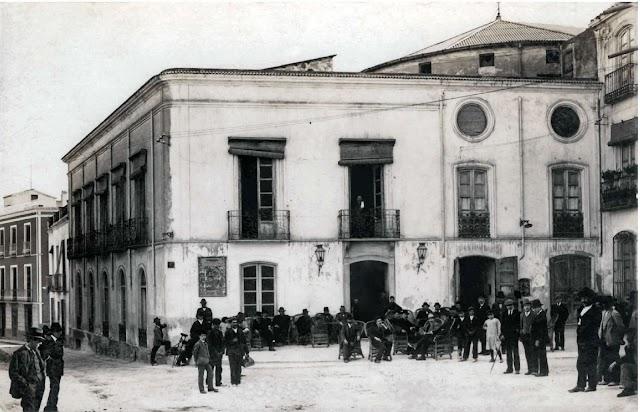 Casino y Teatro Echegaray en Cuevas en una imagen del final del XIX de la colección de Enrique Fernández Bolea.