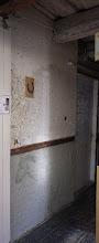 Photo: Umbes kuu aega varem valmis värvitav pind: paber- ja saepurukrovitud sein.