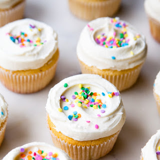 Vanilla Filled Cupcakes With Recipes