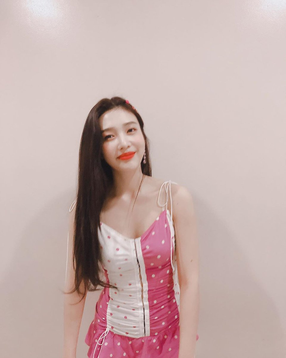 red velvet joy dress 2019 4