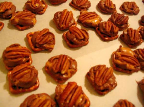 Quick And Easy Pecan Turtles Recipe