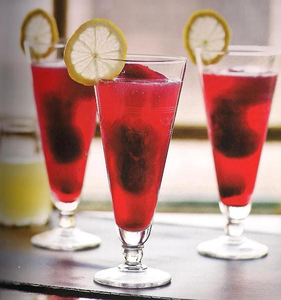 Pomegranate Lemon Vodka Spritzers Recipe