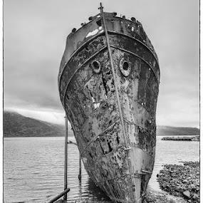 An old wrecked ship. by Páll Jökull Pétursson - Transportation Boats ( strandir, sumar, iceland, landslag, 2012, djúpavík, ísland, summer, landscape )