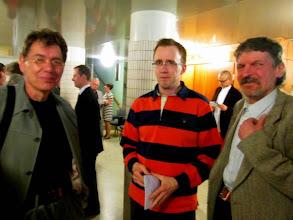 Photo: IFISKs ordförande Gerd-Peter Löcke, Fredspostens chefredaktör Christian Lång och MIRAs ordförande Harri Niskanen.