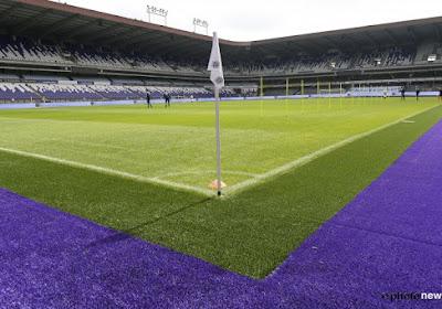 La pelouse d'Anderlecht remplacée