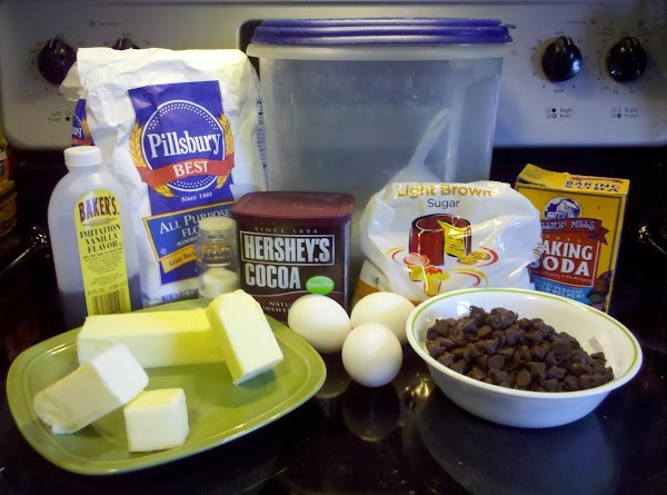 Preheat oven to 350 degrees F. Prepare baking sheets with parchment paper