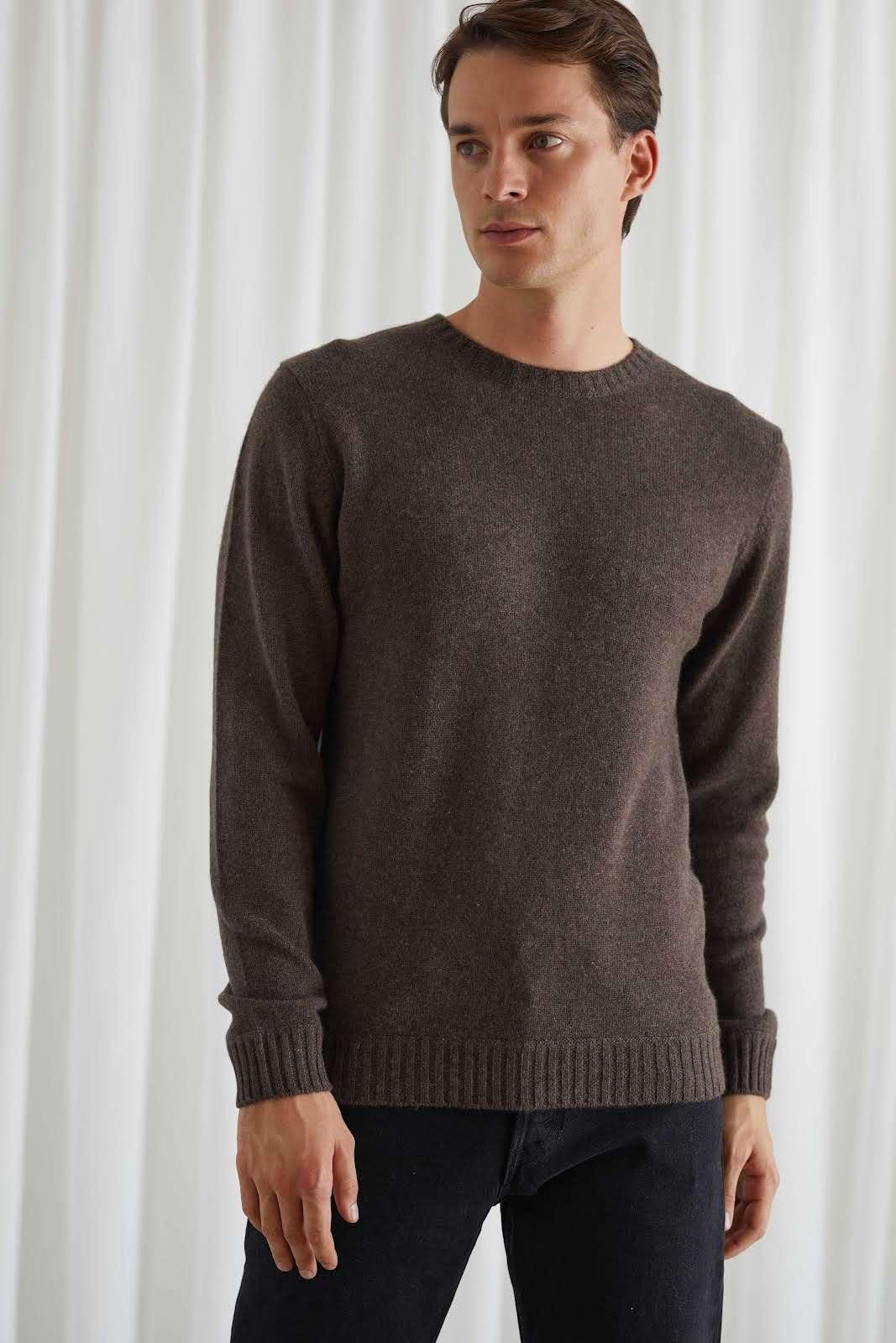 Man Chunky O-neck Sweater