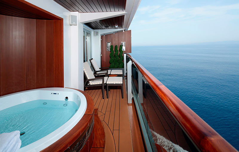 A Pinnacle Suite stateroom on Nieuw Statendam that comes with a veranda and private whirlpool.