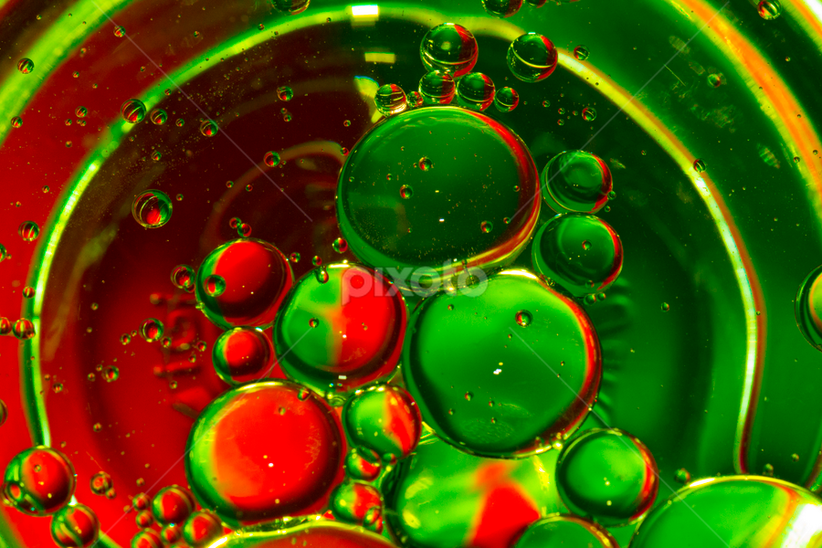 ~ Oil can't mix with Water ~ by Aziz Faiz - Abstract Macro