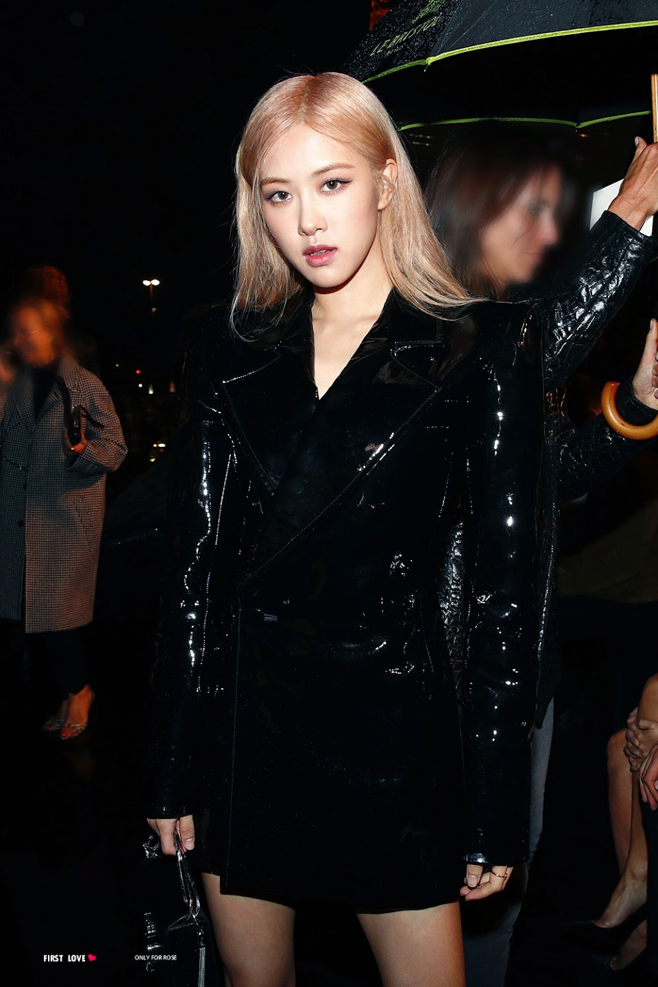 31-BLACKPINK-Rose-Attends-YSL-Saint-Laurent-Show-at-Paris-Fashion-Week-from-Insta-Post
