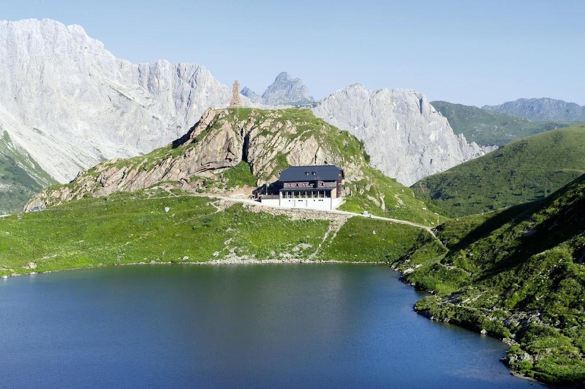 Der Wolayersee ist ein hoch gelegener Bergsee und eine Perle am Karnischen Hauptkamm. Höhe 1.960 m