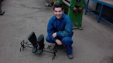 Photo: Borja con el proyecto de soporte para botas