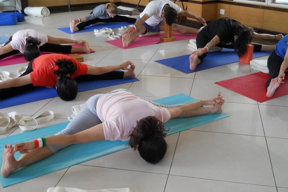 best-yoga-classes-delhi-iyengar-yoga-centre-yogakshema-image