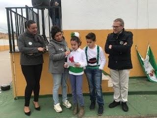 Izada la bandera de Andalucía en el Colegio Nuestra Señora de los Milagros