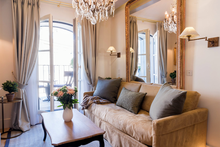 Place Dauphine Luxury Apartment living room