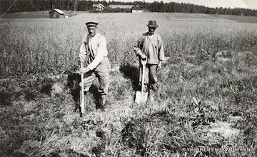 Photo: Dammen. Karl Fahlgren och Pehr Andersson dikar