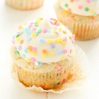 Funfetti Cupcakes with Vanilla Buttercream Frosting