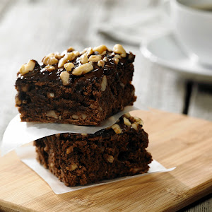 Fudge Brownies with Walnuts and Dark Chocolate Glaze