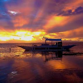 Malapascua Sunset by Sergei Tokmakov - Landscapes Waterscapes ( waterscape, sunset, sea, ocean, landscape,  )