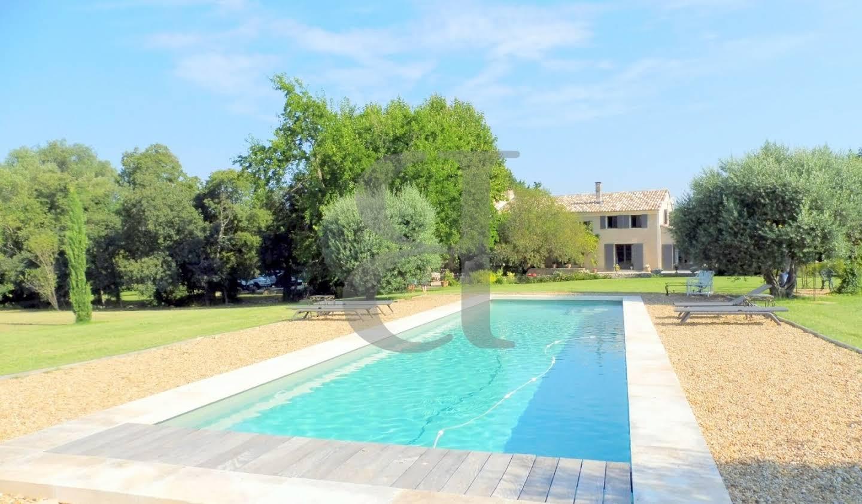 House with pool L'Isle-sur-la-Sorgue