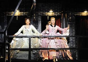 Photo: WIEN/ Theater an der Wien: DIE DREIGROSCHENOPER. Premiere am 13.1.2016. Inszenierung: Keith Warner.  Ganya Ben Gur Akselrod, Nina Bernsteiner. Copyright: Barbara Zeininger