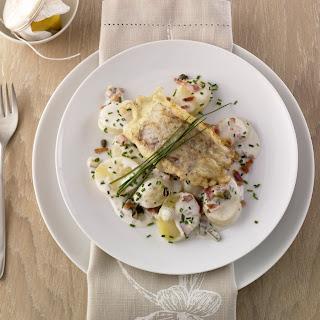 Béchamelkartoffeln mit gebratenem Fischfilet