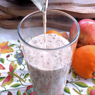 Oats And Banana Smoothie.