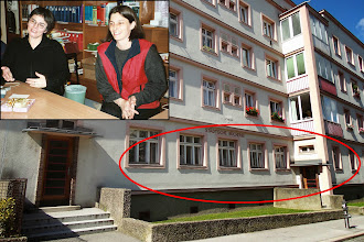 Photo: Die alte Zweigstelle der Bücherei befand sich bis 2013 in der Egger-Lienz-Gasse.  Zum Abschied gab es ein kleines Geschenk und Gedicht für Frau Holzer und ihre Mitarbeiter.