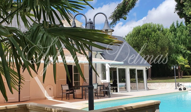 Maison contemporaine avec piscine et jardin Tours