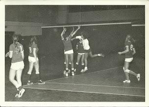 Photo: Dames handbal in Houtrust?