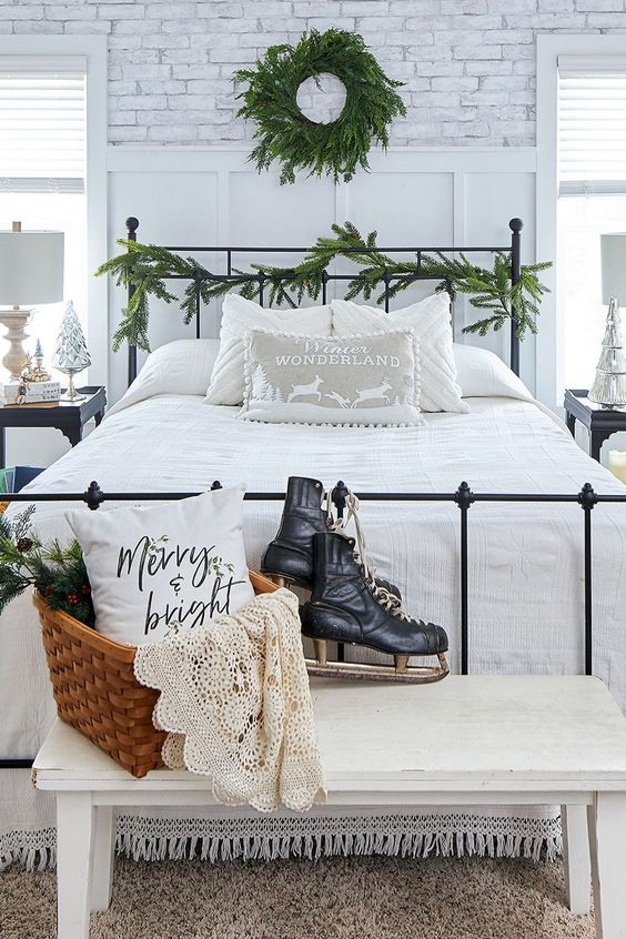 Christmas Bedroom Decor with Unadorned Wreath and Garland
